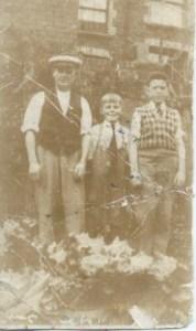 Harding family behind 9 Hillview, Cwmfelinfach....Arthur, doug and Marshall